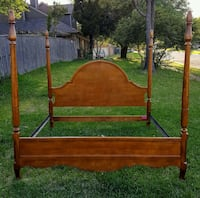 Solid maple king size bed Euless, 76039
