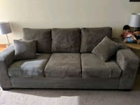 3 person couch Toronto, M1V 3M2