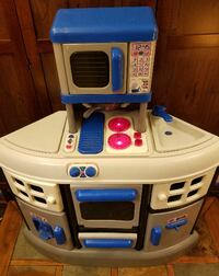 Blue/White Electronic Interactive Play Kitchen w/ Food and Accessories Council Bluffs