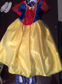 Snow White girl Halloween costume with accessories Vaughan, L4H 2G3