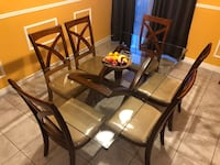 Dining table for sale Brampton, L7A 1Z5