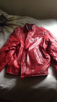 red leather zip-up jacket Montreal, H2L 2V7