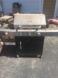 Used gas grill Lowell, 72745