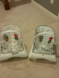 2 bounce chairs Mount Airy, 21771
