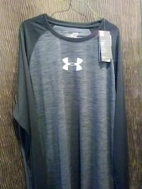 Men's Under Armour fitted shirt size XL