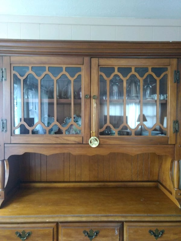China Cabinet (Hutch style) Solid wood Golden brown finish 6570dcc1-dd40-48f6-b607-d17831397b98