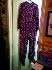 Adult med onesie Clarence-Rockland, K0A 1E0