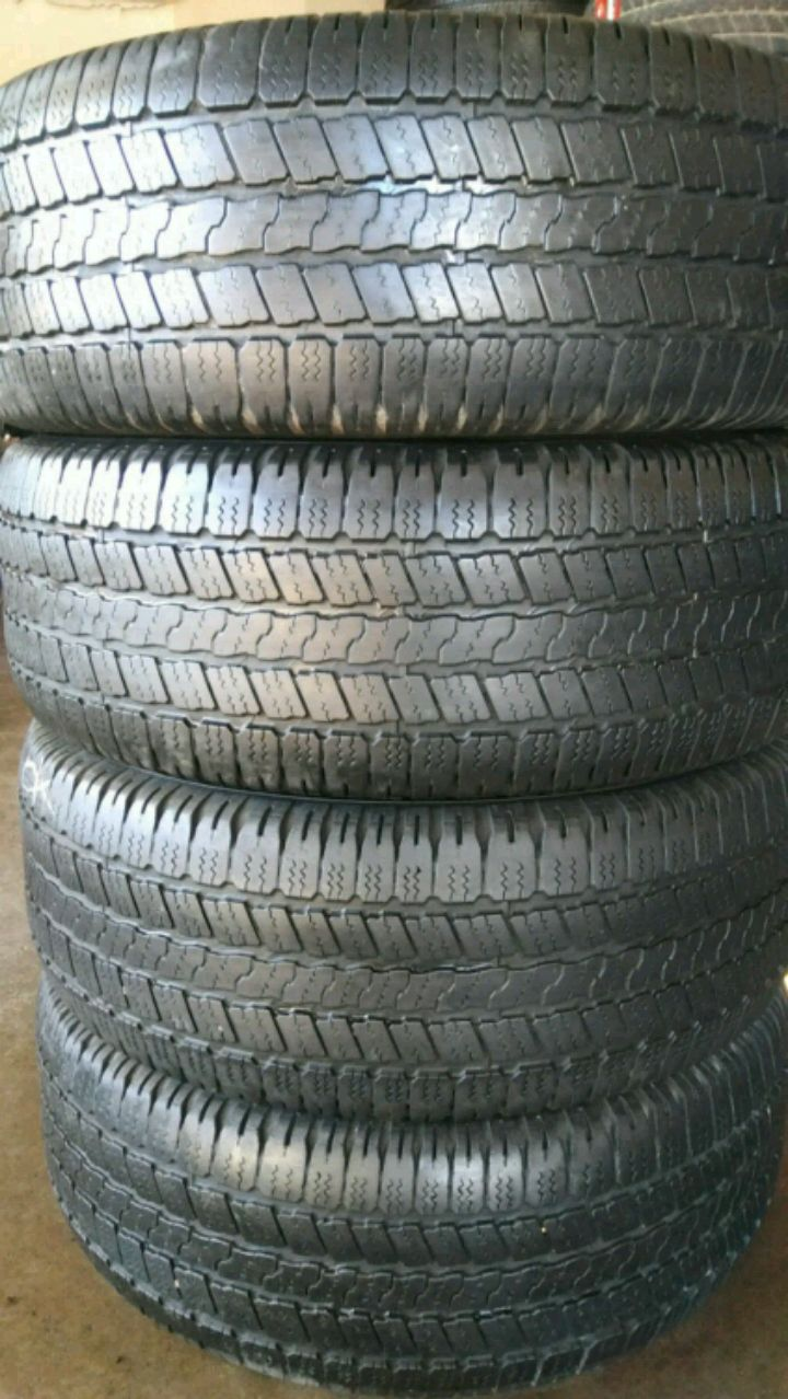 Photo 18 INCH TIRES 265/60R18 GOODYEAR WRANGLER SR-A HIGHWAY TREAD