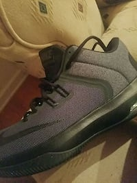 Brand new shoes sellin em cheap Champaign, 61821