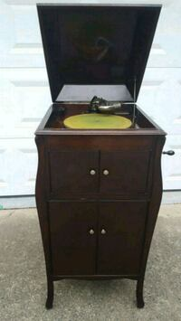 Antique Upright Victrola Phonograph Record Player Fairfax, 22032