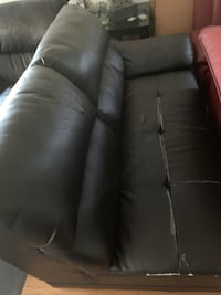 black leather 3-seat sofa Montréal, H4H 2G7