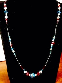 Crystal and glass beaded costume jewelry necklace