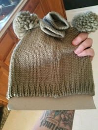 gray knitted knit cap with knit cap Hanover, 17331