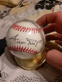 Willie mays signed baseball in case
