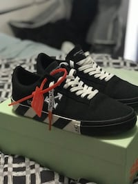 Authentic OFF-WHITE sneakers size 9 Richmond Hill, L4B 4R8