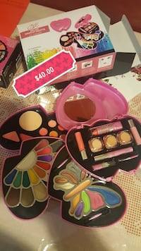pink deluxe makeup palette and box with $40.00 text overlay 43 km