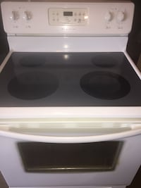 Smooth Top Stove. Free Delivery. Standish