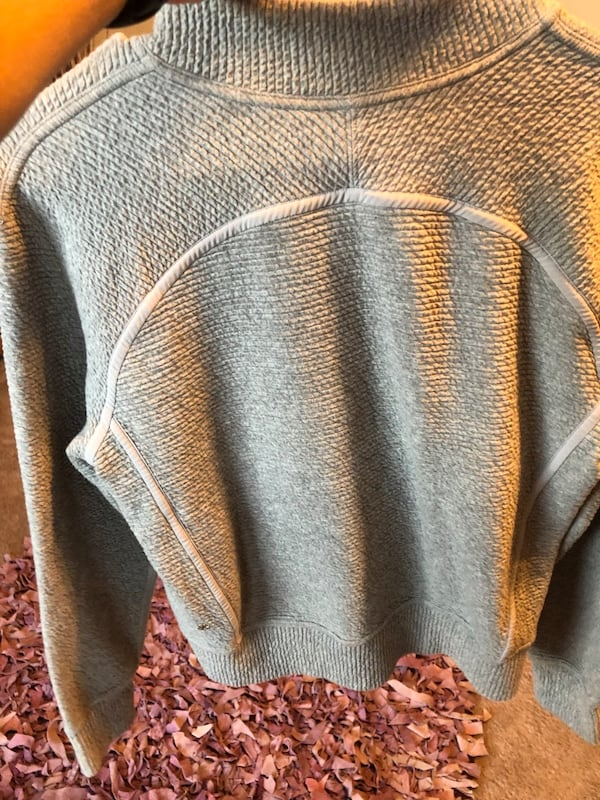 Lululemon women's zip up gray sweater. 2