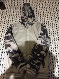 (New)White and black camouflage zip-up hoodie Sterling, 20164