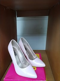 Pink patent leather pump Capitol Heights, 20743