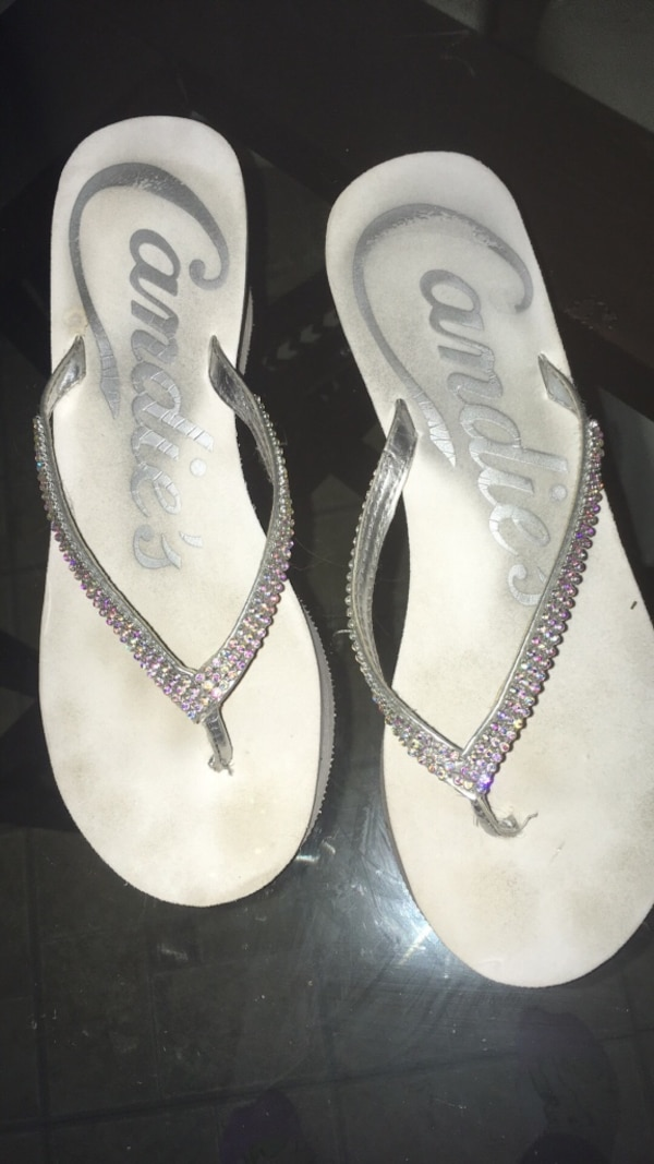 fd32894d905b Used White candies flip flops for sale in Thousand Oaks - letgo