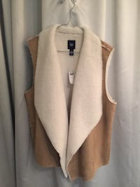 Gap brown and white vest size large