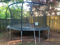 Trampoline with Net Chantilly, 20151