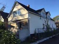 Fire Damage - Financing Available - Full Rehab Needed 882 km