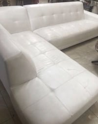 white leather tufted sectional couch El Paso, 79936