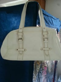 white leather 2-way handbag Toronto, M1G 1L6