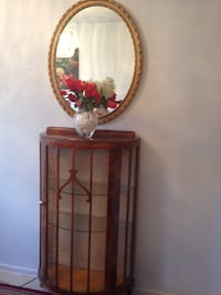 48 by 37 cabinet with mirror and decorations all I'm good condition if u r interesting give me best offer Toronto, M1S