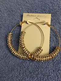 Brand New Large Gold Colored Earrings Hyde Park, 12538