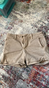 AE Shorts size 4 Prince Frederick, 20678