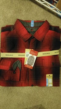 Woolrich Flannel Button down shirt, Size L. Fairfax