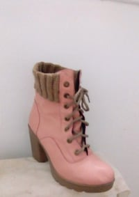 unpaired women's pink and brown leather bootie