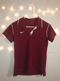 Maroon Nike Polo (Perfect for Golf/Tennis) London, N6G 4Y4