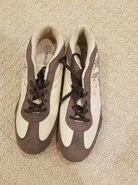 Sport shoes. Size 10-10.5. New.