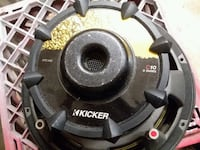 Kicker 10-inch subwoofer in kicker competition box 866 mi