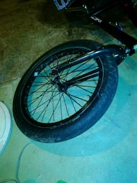 Kink bmx tire with front tire hub and rim Allegan, 49010