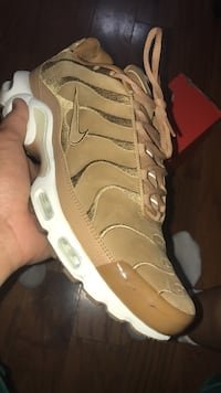 unpaired brown and white Nike Air Force 1 low McAllen, 78504