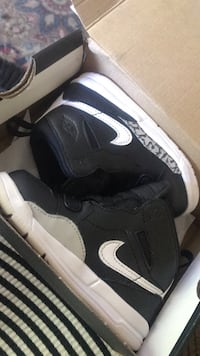 Pair of black-and-white nike basketball shoes Worcester, 01609