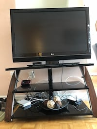 Black and gray flat screen tv Mississauga, L5L 2G2