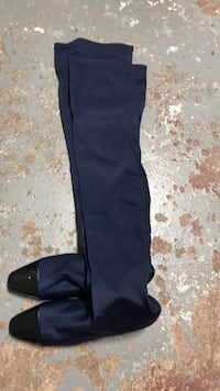 Women's size 37 over the knee boots. Very comfortable. Small heel.  Excellent condition. Only worn once  Toronto, M1K 4B7
