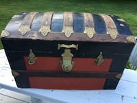 ANTIQUE DOME TOP STEAMER TRUNK SMALL SIZE - Avon, 06001
