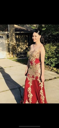 Red Prom Dress ( Need gone!!) Manteca