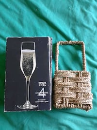 Break-resistant Stemware & Tiny Real Wicker Basket Clarkson, 42726