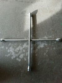 4 way lug wrench  Springfield, 65807