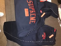 Supreme sweatsuit Navy blue and Red top and bottom Size large  New York, 10460