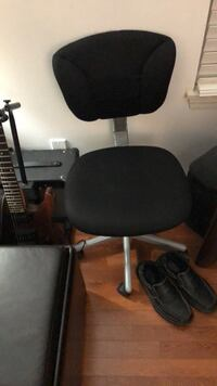 Black office chair $30 brand new Hanover Park