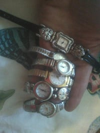 6Lady watches Bakersfield, 93304